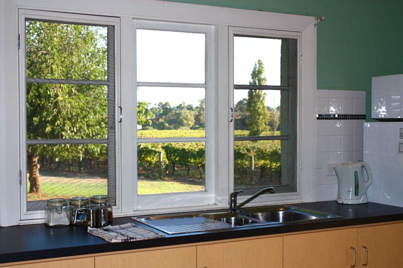 vineyard spa cottage accommodation swan valley upper. Black Bedroom Furniture Sets. Home Design Ideas